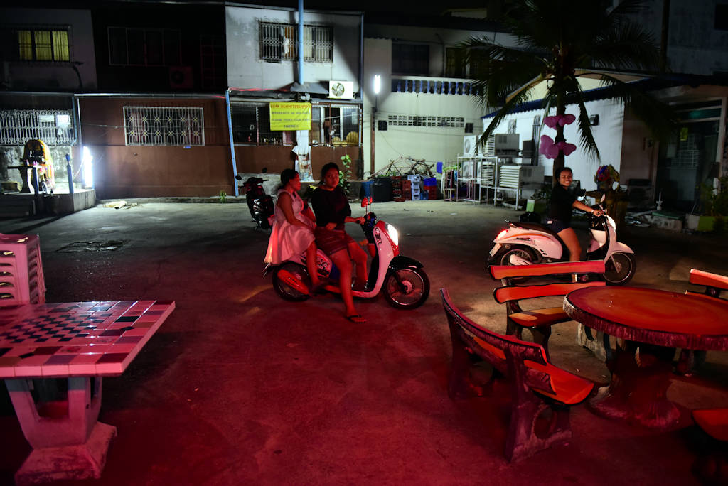 Pattaya Bar wedding Party bar girl motorcycle taxi drivers
